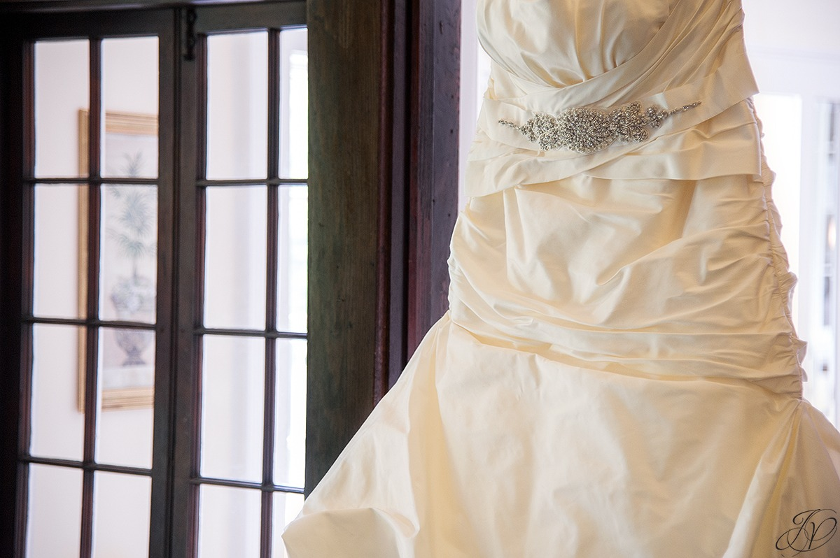 vintage wedding dress details
