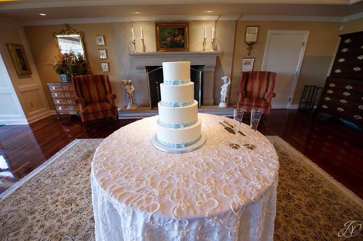 shenandoah valley golf club wedding reception cake