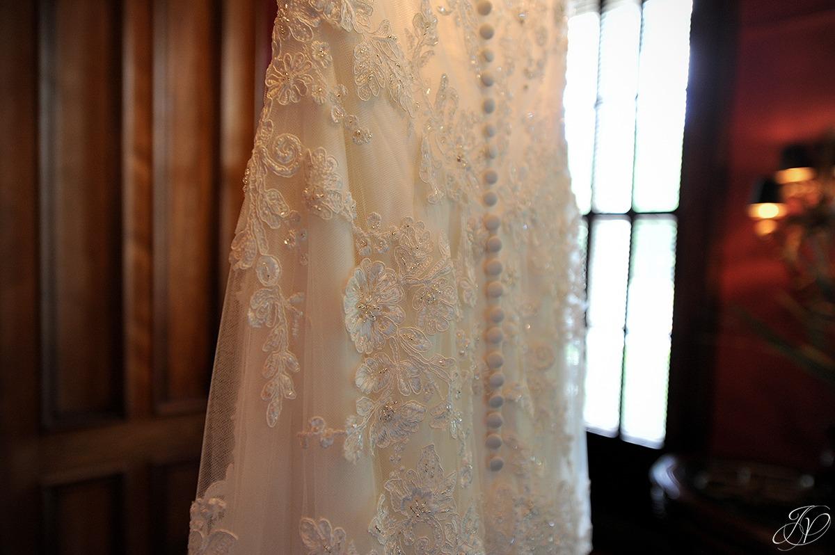 vintage wedding gown details