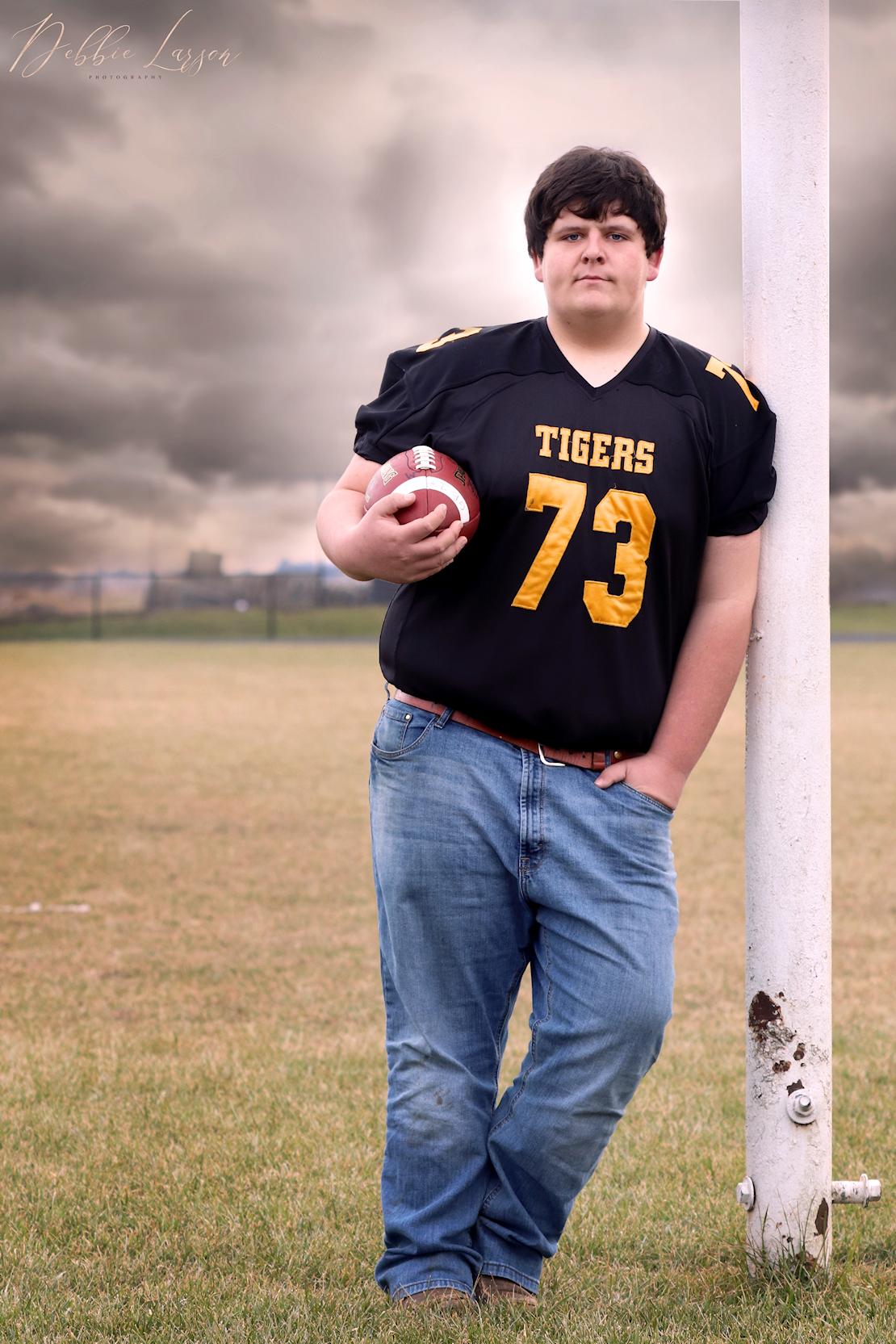 senior boy football debbie larson photography
