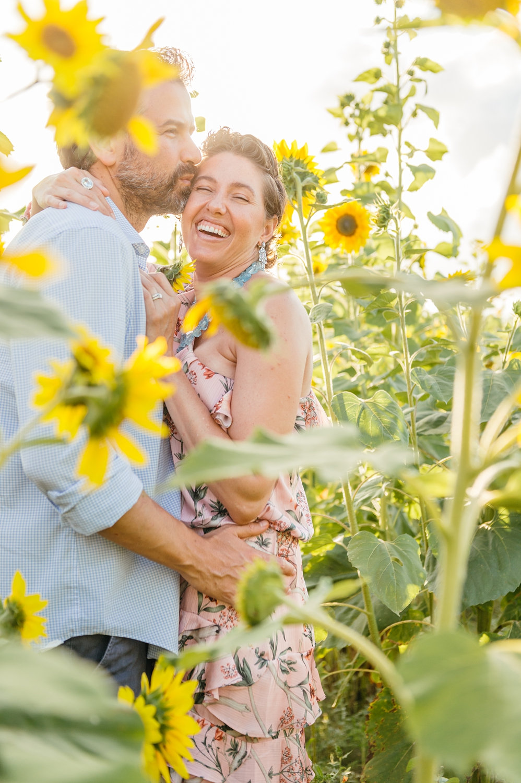 sunflower field photoshoot, couples photography, couples portrait sunflowers, Rya Photos
