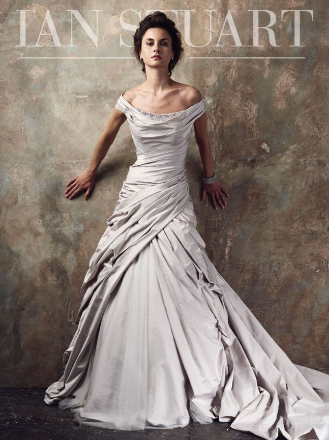 It S A White Christmas With The Ian Stuart Bride Trunk Show White Of Dublin White Of Raleigh,Non Traditional Wedding Dresses 2020