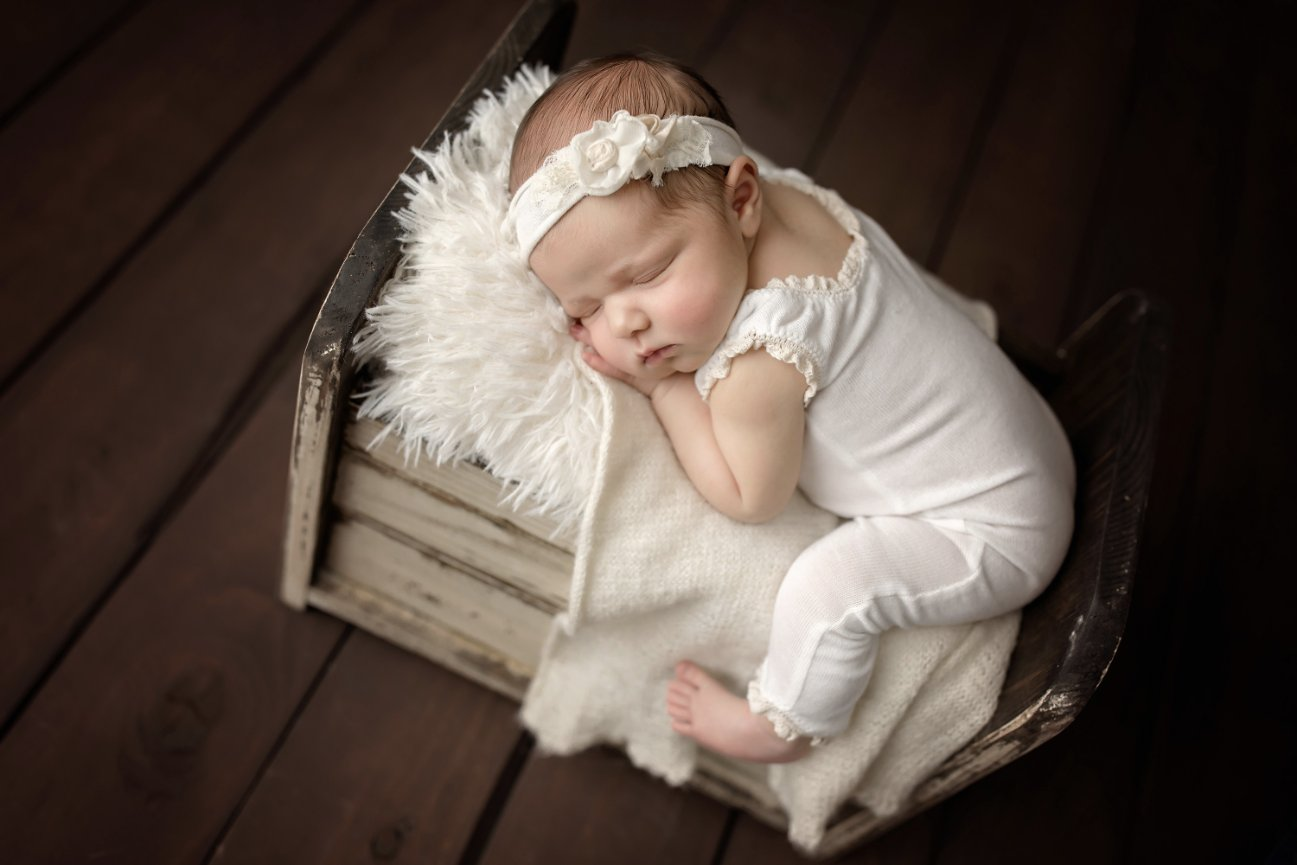 Los angeles premiere newborn baby photographer